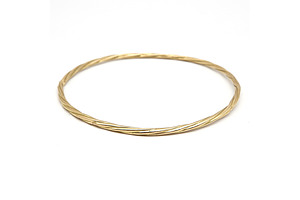 18ct Yellow Gold Bangle with Slight Twist, 13.7g