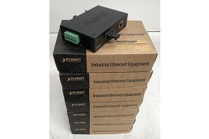 Planet (IFT-802TS15) 10/100Mbps TP to 100Base-FX Industrial Wide Temperature Media Converter - Lot of Seven