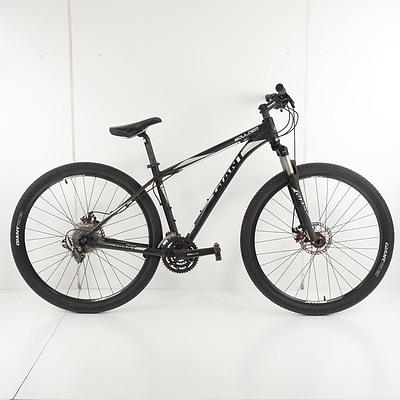 Giant Boulder 30 Speed Mountain Bike