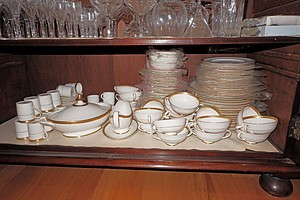 Royal Doulton Royal Gold Pattern H4980 Dinner Service