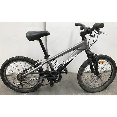 Giant MTX-150 Kids Mountain Bike