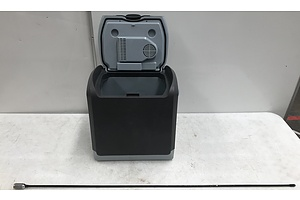 Auto XS Car Cooler and Annex With Base