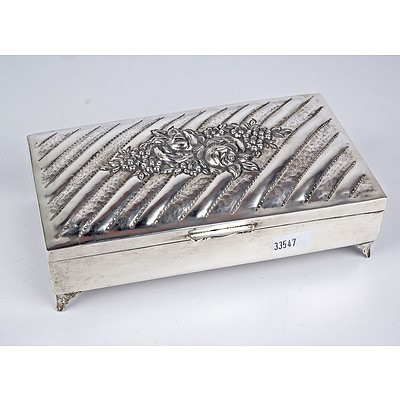 900 Silver and Wood Lined Cigarette Box