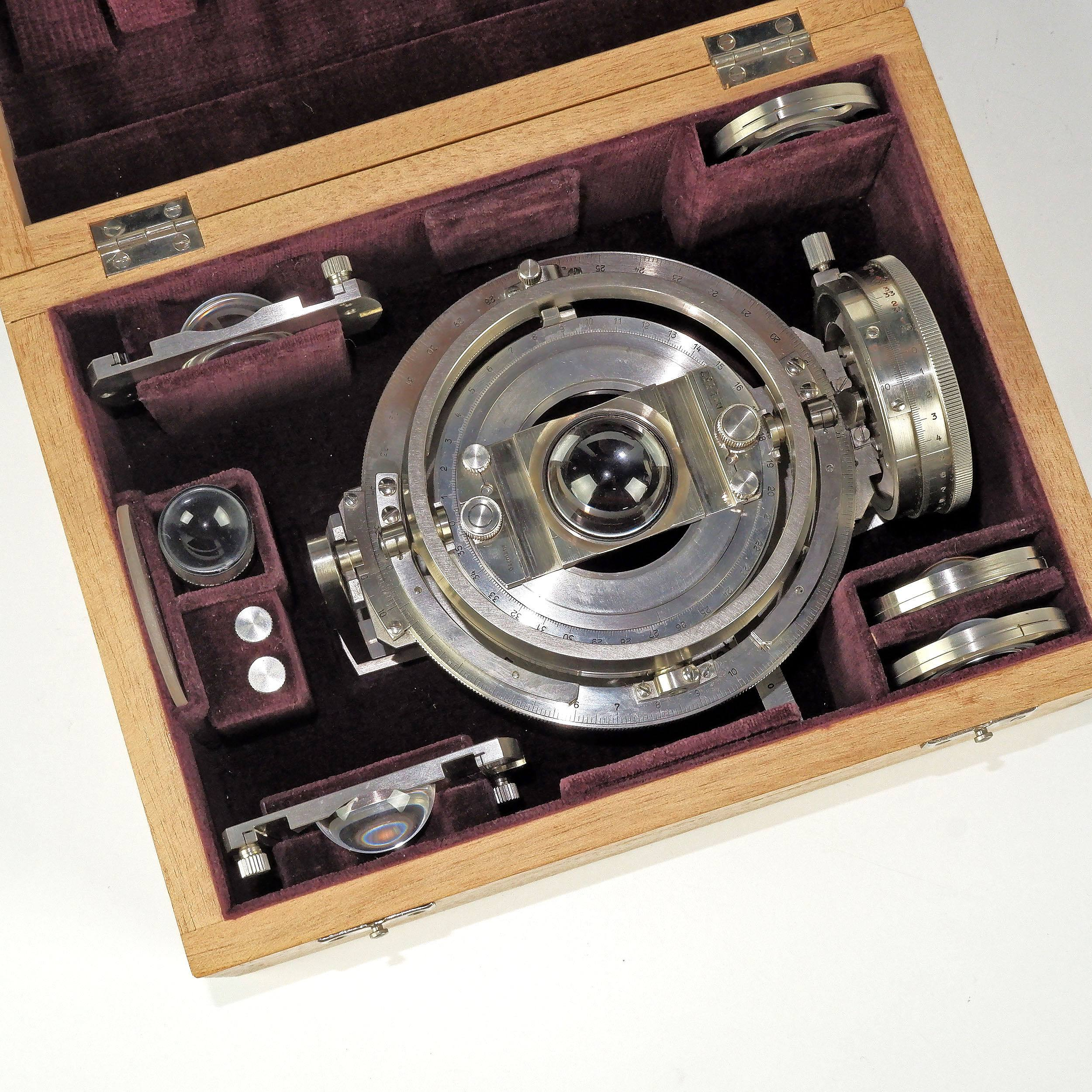 'Rare Leitz Wetzlar Universal Gimbal Microscope Stage'