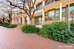 33/18 Captain Cook Crescent, Griffith ACT 2603