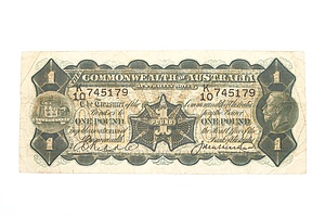 Australian 1927 Riddle/ Heathershaw One Pound Banknote, R26 K10745179