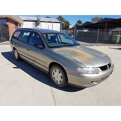 10/2000 Holden Commodore Acclaim VX 4d Wagon Silver 3.8L