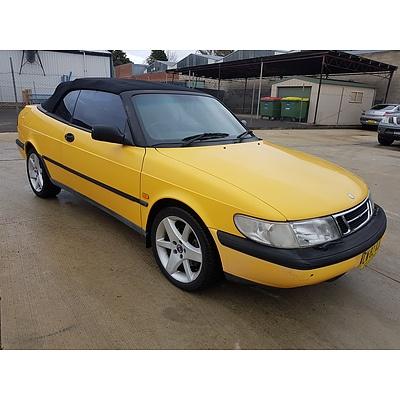 2/1998 Saab 900 SE 2.0T  2d Convertible Yellow 2.0L