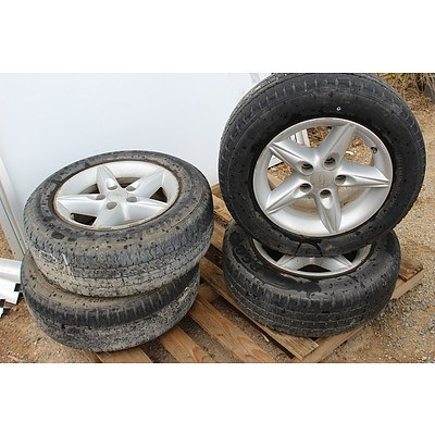 15 Inch Ford Rims With Tyres