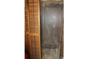 Hardwood Louvered Folding Doors and Solid Door