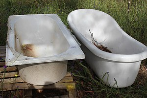 1500mm Fiberglass Bath Tubs x 2