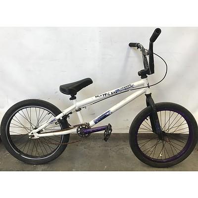 Southern Star Insane BMX Bike