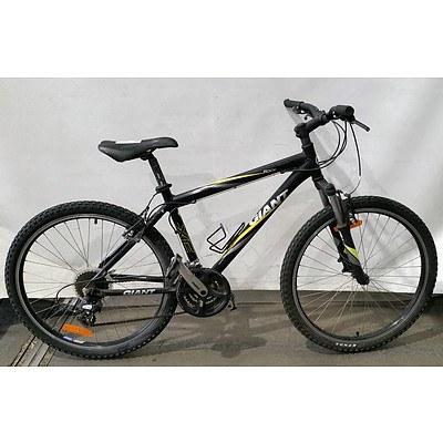 Giant Rock 21 Speed Mountain Bike