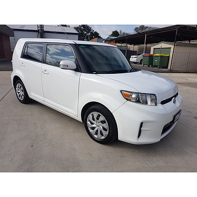 7/2014 Toyota Rukus Build 1 AZE151R 4d Wagon White 2.4L