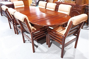Circa 1980s Garry Masters Solid Timber Extension Dining Table with Eight Beige Leather Upholstered Chairs