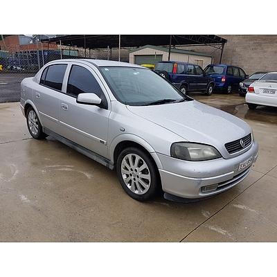 3/2004 Holden Astra CDX AH 5d Hatchback Silver 1.8L
