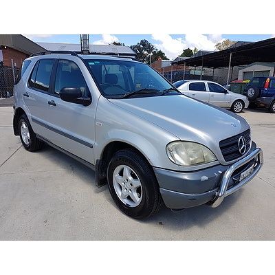 12/2000 Mercedes-Benz Ml 270 CDI Luxury (4x4)  4d Wagon Silver 2.7L