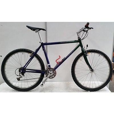 Trek Singletrack 21 Speed Mountain Bike