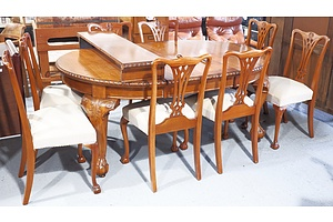 Circa 1920s Maple Three-Leaf Extension Dining Table with Eight Chairs