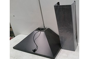 New Ilve 900mm Rangehood with Accessories