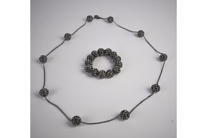 Oroton Crystal Set necklace and Bracelet Set