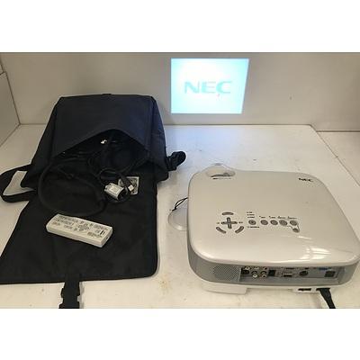 NEC VT670 XGA LCD Projector