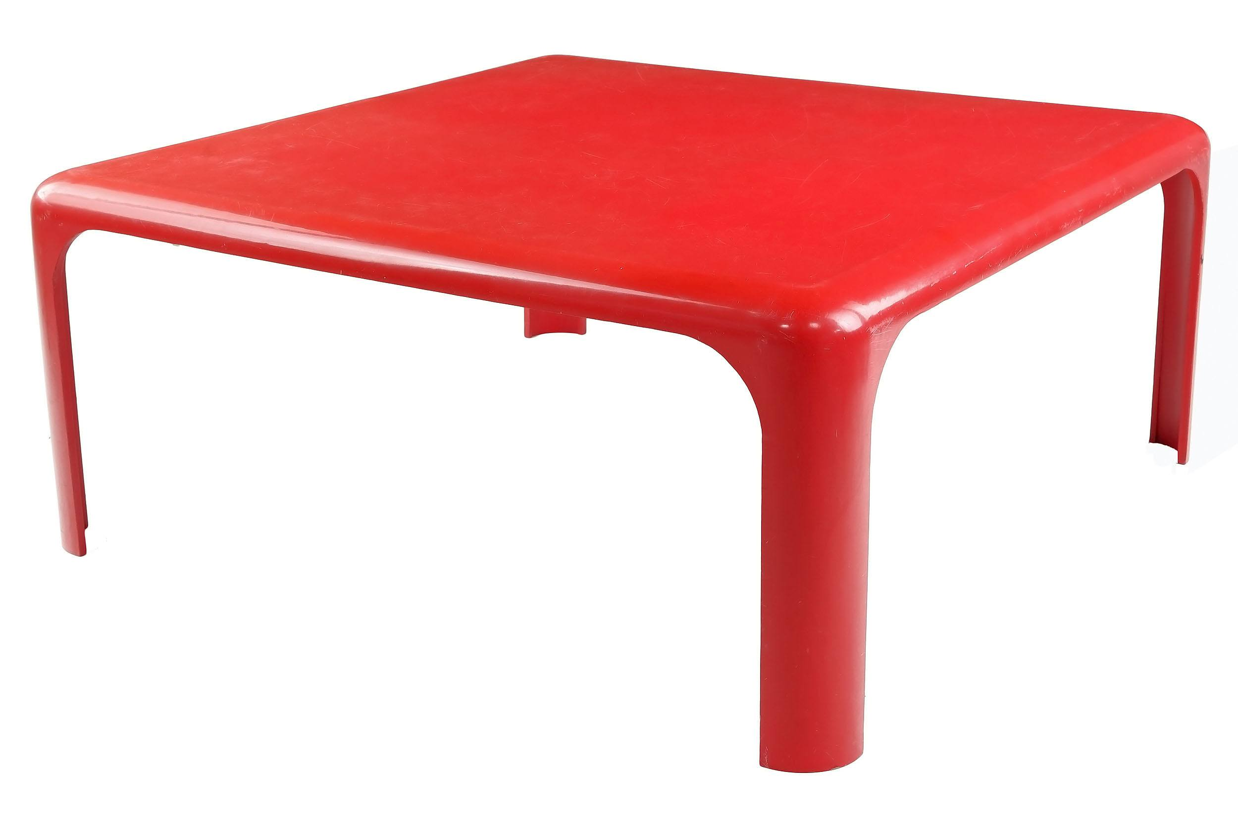 'Vico Magistretti (Italy 1920-2006) Demetrio 70 Coffee Table, Reinforced Resin, Manufactured by Artimede Circa 1970s'