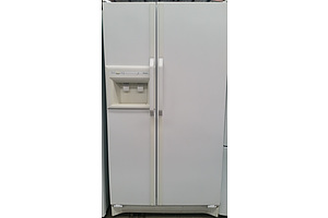 Maytag/Amana Side by Side 650 Litre Fridge/Freezer