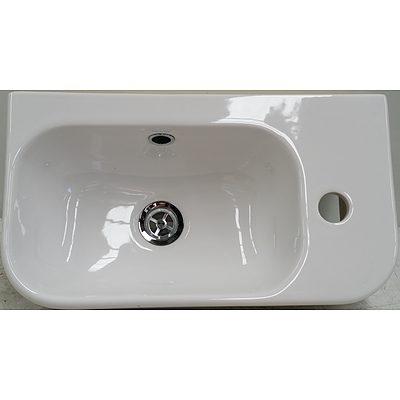 Caroma Luna Hand Wall Basin - New - RRP $280.00