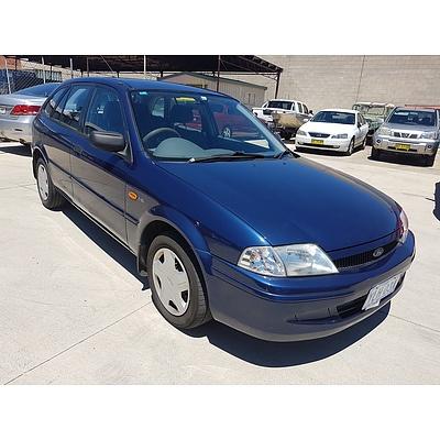 10/2000 Ford Laser LXi KN 5d Hatchback Blue 1.6L