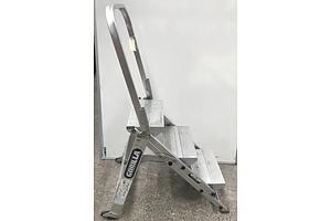 Gorilla Industrial Three Rung Step Ladder