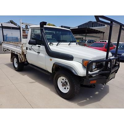 6/1998 Toyota Landcruiser (4x4) HZJ75RP C/chas White 4.2L