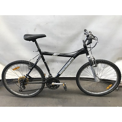 Mongoose Pro DX 3.3 Bike