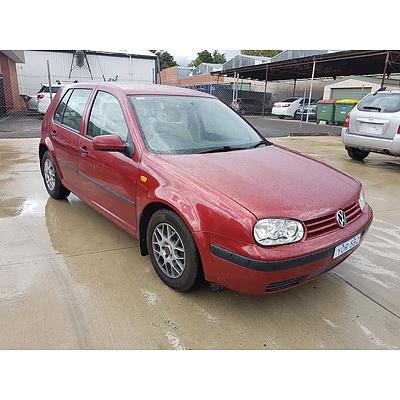 6/1999 Volkswagen Golf GL  5d Hatchback Red 1.6L