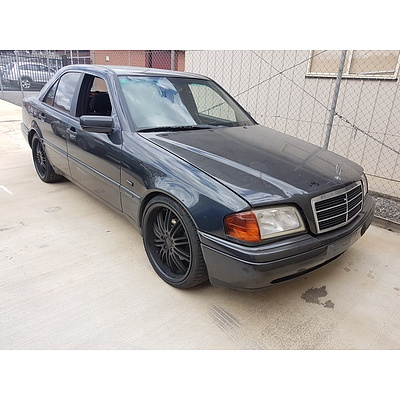 3/1997 Mercedes-Benz C200 Espirit W202 4d Sedan Black 2.0L