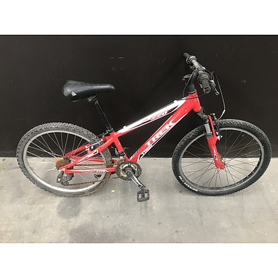 Trek MT220 Kids Mountain Bike