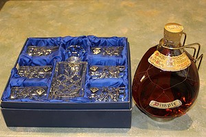1900ml Bottle of Haig's Dimple Scotch Whiskey and Bohemia Lead Crystal Cortina Decanter Set