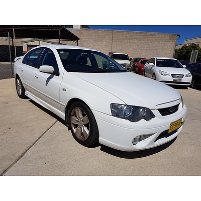 2/2006 Ford Falcon XR6 BF 4d Sedan White 4.0L