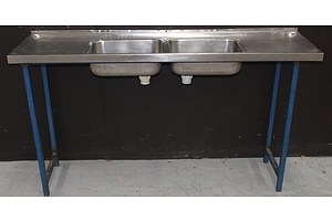 Dual Bowl Stainless Steel Sink With Metal Stand