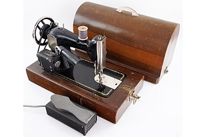 Vintage PFAFF Sewing Machine in Timber Case with Foot Pedal