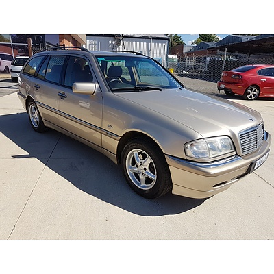 7/2000 Mercedes-Benz C200 T Elegance W202 4d Wagon Beige 2.0L