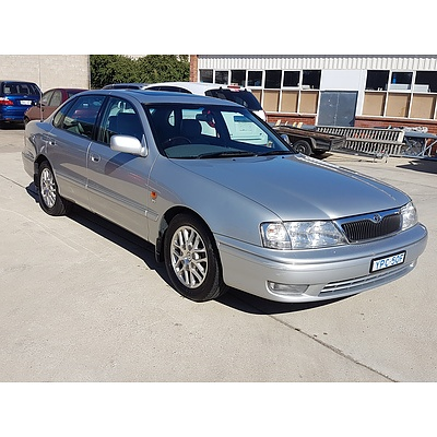 8/2002 Toyota Avalon Grande MCX10R 4d Sedan Silver 3.0L