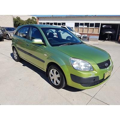 3/2006 Kia Rio EX JB 5d Hatchback Green 1.6L
