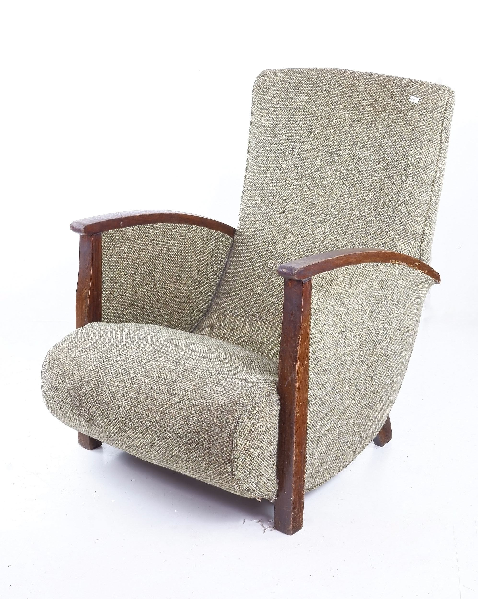 'Vintage Sleepy Hollow Buttoned Fabric Upholstered Armchair'