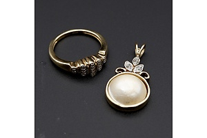 Silver Gold Plated Diamond Ring and a Mabe Pearl Pendant