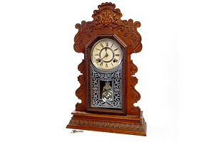 Antique Ansonia Oak Cased 8 Day Striking Mantle Clock