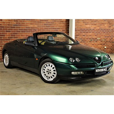 1/1998 Alfa Romeo Spider 2d Convertible Green  2.0L