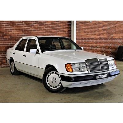 8/1990 Mercedes-Benz 300E 24V W124 4d Sedan White 3.0L