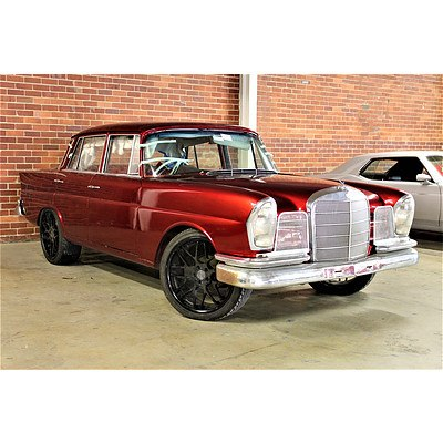 01/1966 Mercedes Benz 230S W111 Sedan Candy Apple Red 2.3L