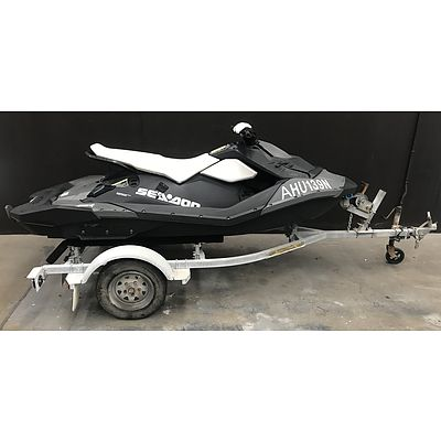 11/2014 Sea-doo Spark 3up 900 H.O. Jetski / PWC ( with only 15 hours on Engine )